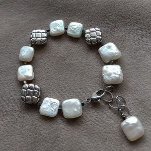 Jewelry - Square Freshwater Pearl & Silver Bead Bracelet